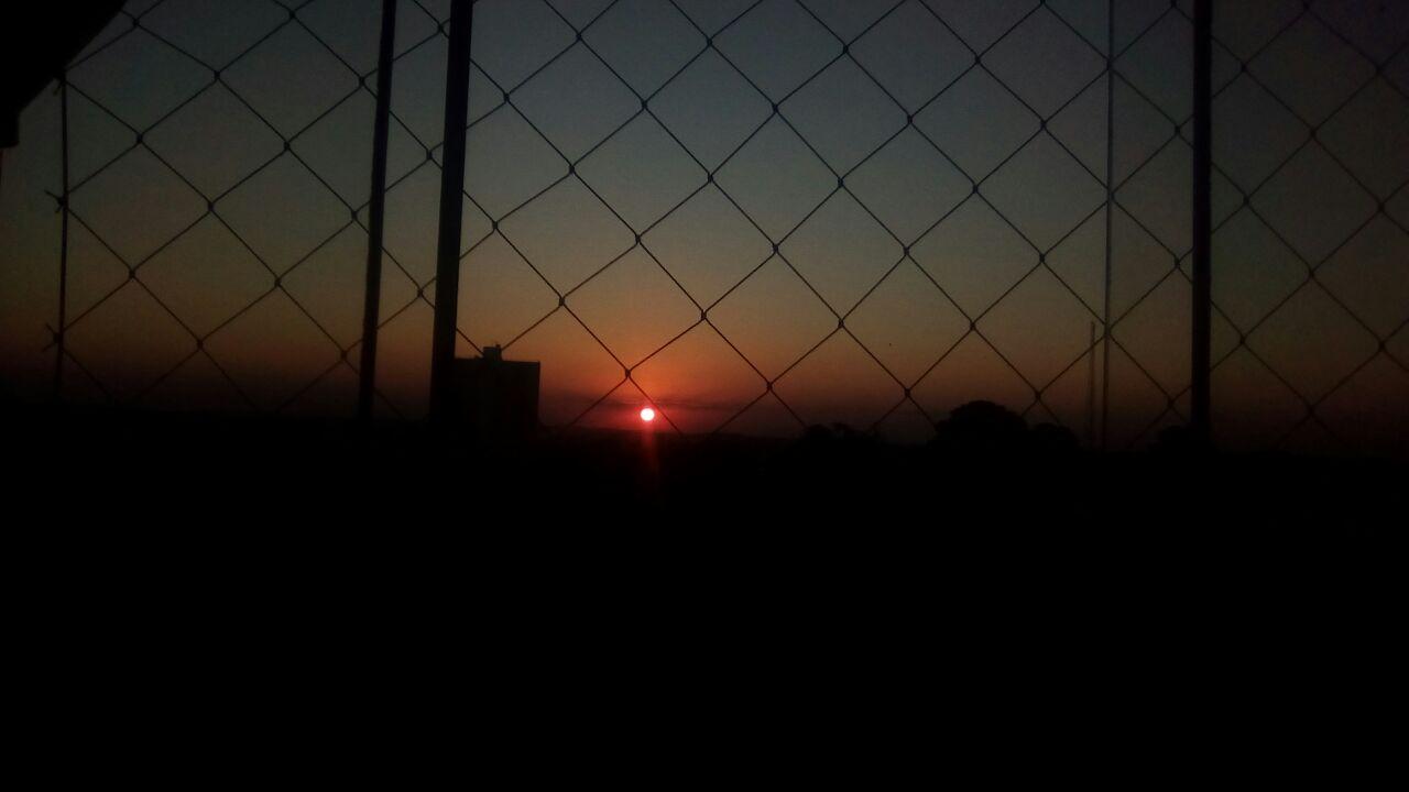 Rede de segurança por do sol
